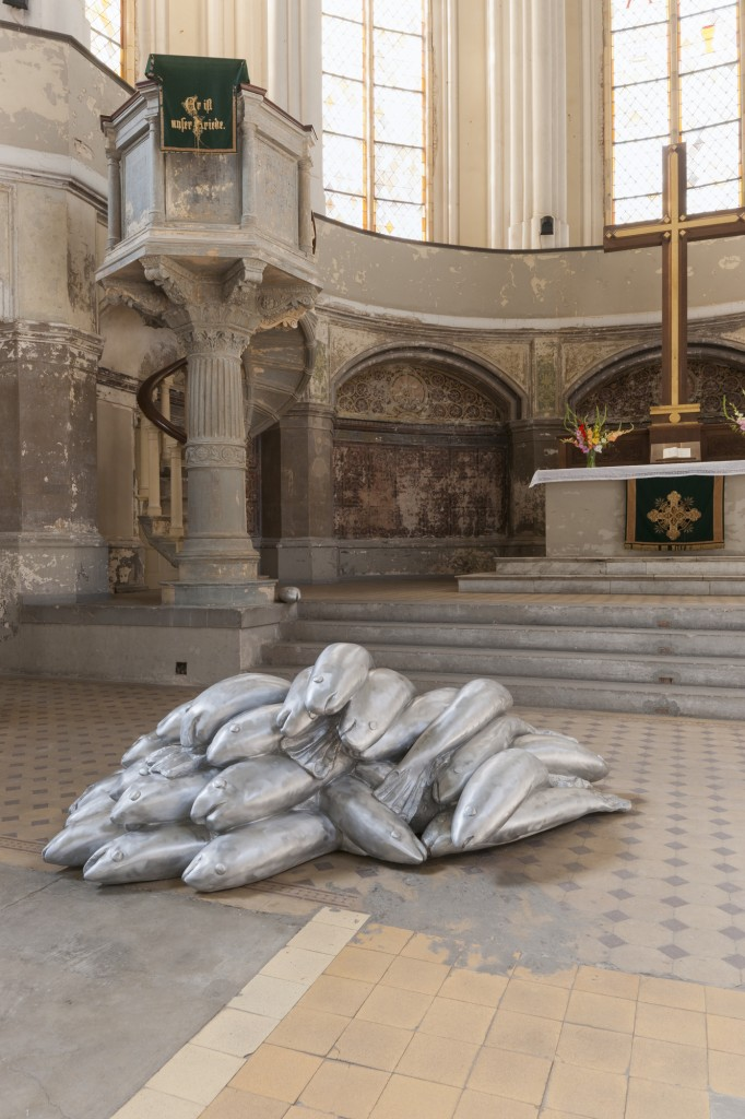 Zionskirche_Carl Emanuel Wolff_Fische_2013_Courtesy Artist_Foto Marcus Schneider 3