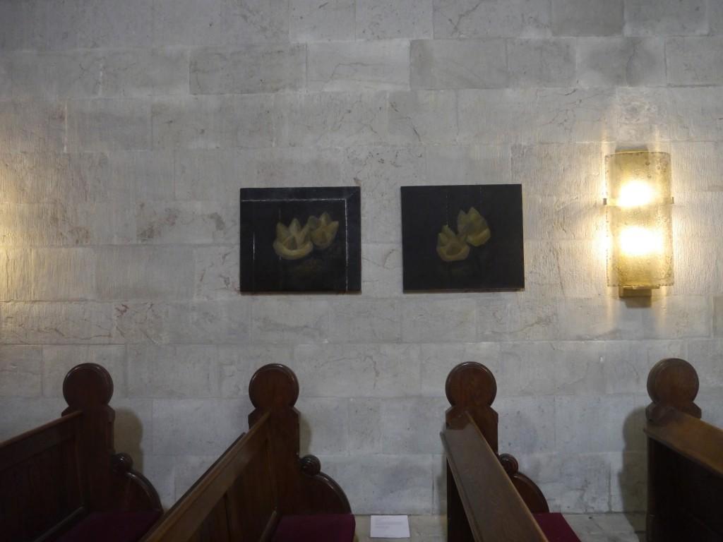 Ausstellungsansicht Erlöserkirche Jerusalem, Zhao Zhao, Untitled-19 und Untitled-31, 2012, Courtesy Artist, Foto Daniel Amin Zaman